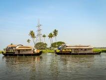 Case galleggianti in acqua posteriore, Alleppey, Kerala, India Immagini Stock Libere da Diritti