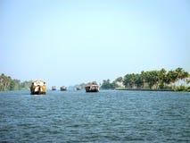 Case galleggianti in acqua posteriore, Alleppey, Kerala, India Fotografia Stock Libera da Diritti
