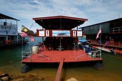 80 case galleggianti d'acciaio del pontone della persona alta un dato numero di piedi Fotografia Stock Libera da Diritti