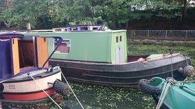 Case galleggianti del fiume Fotografie Stock
