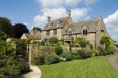 Case inglesi del paese fatte dalla pietra Fotografia Stock Libera da Diritti