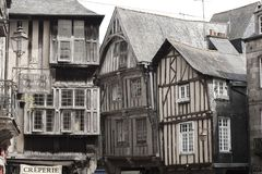 Case medievali in Dinan, Francia fotografie stock libere da diritti