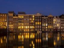 Case olandesi sul Damrak a Amsterdam Fotografie Stock Libere da Diritti