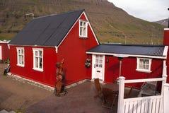 Case rosse in Islanda Fotografia Stock Libera da Diritti