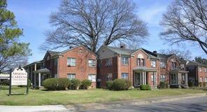 Case a schiera dei giardini della mimosa, Memphis, TN Fotografie Stock