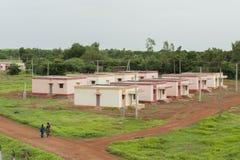 Case a schiera del villaggio Immagini Stock Libere da Diritti
