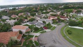 Case suburbane nella vista aerea di Florida archivi video