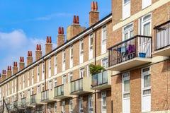 Case a terrazze inglesi tipiche a Londra Immagini Stock