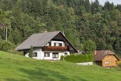 Case tradizionali in alpi slovene Immagini Stock Libere da Diritti