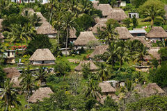 Case tradizionali del villaggio di Navala, Viti Levu, Figi Fotografia Stock