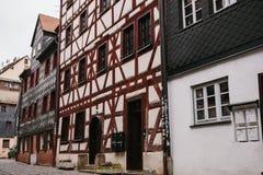 Case tradizionali nello stile tedesco nella città di Furth in Baviera Architettura tedesca delle case Fotografie Stock Libere da Diritti
