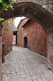 Case tradizionali in rossetto della La di Collonges Immagini Stock