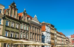 Case tradizionali sul vecchio quadrato del mercato a Poznan, Polonia fotografia stock libera da diritti