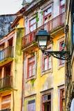 Case variopinte della vecchia città di Oporto, Portogallo Immagini Stock