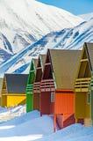 Case variopinte, Longyearbyen, Spitsbergen, le Svalbard, Norvegia fotografia stock