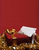 Casella attuale con la cartolina d'auguri fotografia stock libera da diritti