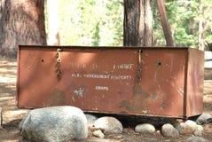 Casella dell'orso di Backcountry per i backbackers fotografia stock
