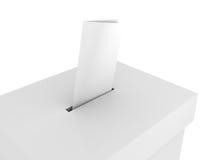 Casella di voto di scheda elettorale con il bollettino su bianco Fotografie Stock