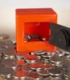 Casella e soldi di moneta immagine stock libera da diritti
