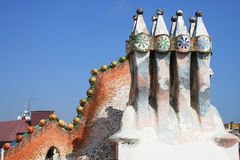 Casen Batllos Dachfragment durch Antoni Gaudi. Stockbilder
