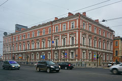 Caserme della leyb-guardia della prima squadra in San Pietroburgo, Russia dell'artiglieria e del cavallo Immagini Stock