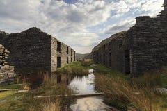 Casernas dos mineiros na pedreira de Rhosydd imagens de stock