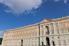 Caserta, Ιταλία 27/10/2018 Κύρια εξωτερική πρόσοψη της Royal Palace Caserta r στοκ εικόνες με δικαίωμα ελεύθερης χρήσης