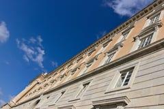 Caserta Italien 27/10/2018 Huvudsaklig yttre fasad av Royal Palace av Caserta italy arkivfoto