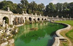 Caserta Royal Palace en zijn tuinen Royalty-vrije Stock Afbeeldingen