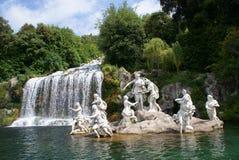 Caserta Royal Palace, statue en cascade à écriture ligne par ligne grande Images libres de droits
