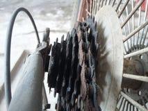 Casete y cadena viejos del ciclo Imagen de archivo