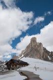 Casetta alpina nell'inverno Immagine Stock Libera da Diritti