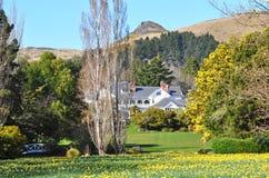 Casetta di Otahuna in primavera, Canterbury, Nuova Zelanda Immagini Stock