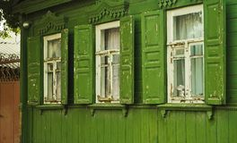 Casetta rurale di colore verde Immagini Stock Libere da Diritti