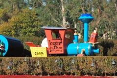 Casey Jr. Utbilda dragningsridningen till och med Disneyland, Kalifornien, i Fantasyland Royaltyfri Foto