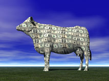 CASH COW SAVING RETIREMENT FINANCIAL PLANNING WEALTH MANAGEMENT INVESTMENT FUND CAPITAL GROWTH STOCK. Profile of cow covered in paper money on blue background Stock Photo