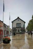 Cashel,爱尔兰, 2014年10月31日:访客和市中心在Cashel,蒂珀雷里郡,爱尔兰 库存图片