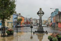 Cashel, Irlanda, el 31 de octubre de 2014: Centro de ciudad en Cashel, condado Tipperary, Irlanda imágenes de archivo libres de regalías