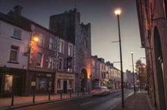 Cashel på natten, Irland arkivfoton