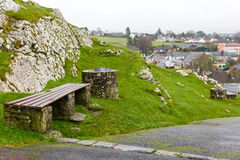 Cashel stadsikt från kullen arkivbild