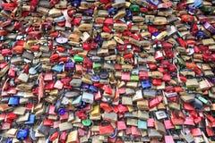 Casiers au pont de Hohenzollern Images libres de droits