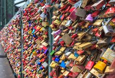Casiers au pont de Hohenzollern, Cologne, Allemagne Photographie stock