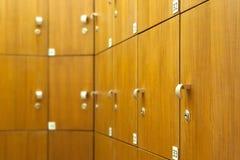 Casiers dans le vestiaire Photos libres de droits