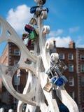 Casiers de pont de demi-penny à Dublin, Irlande Photographie stock libre de droits