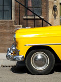 Casilla amarilla de la vendimia Imágenes de archivo libres de regalías