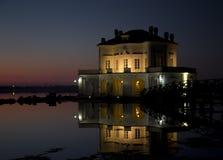 Casina Vanvitelliana Lago Fusaro, Nápoles, Italia Fotografía de archivo