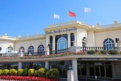 Casino Barriere de Deauville FR: Deauville LE Νορμανδία το όμορφο κτήριο χαρτοπαικτικών λεσχών στην παραλία στοκ εικόνες