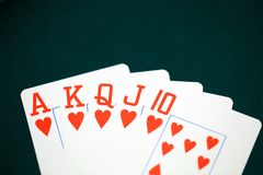 Casino, escalera real de corazones fotos de archivo