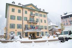 Casino na cidade de Chamonix em cumes franceses, França Imagem de Stock