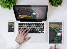 casino tablero de la oficina en línea Imágenes de archivo libres de regalías